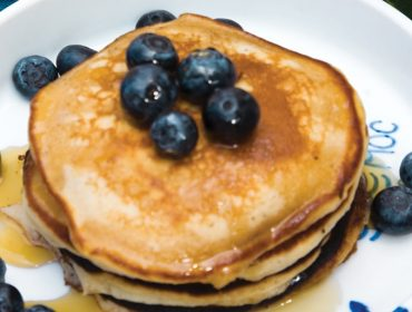 pancakes with blueberries 01 370x280 - Pancakes With Blueberries