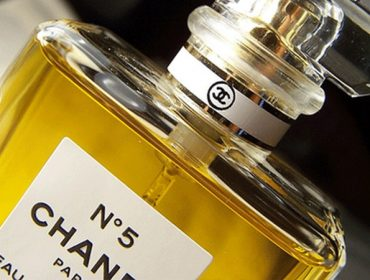 chanel bottle 370x280 - 55 Seconds for Chanel No.5