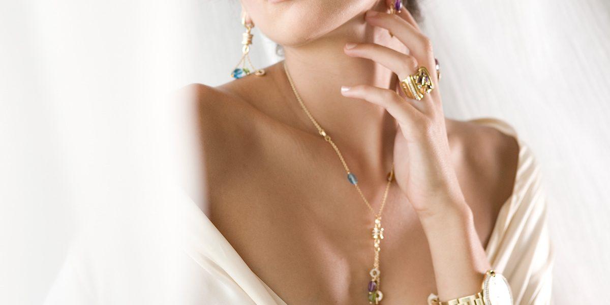 Ring, Bracelet & Necklace from Joyería Alemana