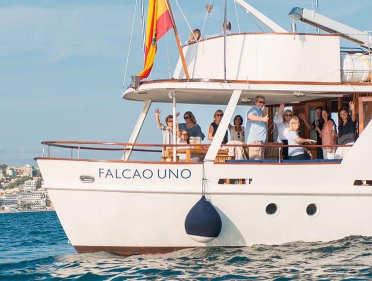 falcao boat trip 18 01 740x560 - All aboard Falcao Uno