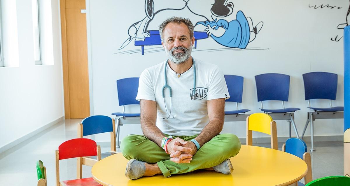 jorge munoz pediatra img006 - Palma's big-hearted paediatrician