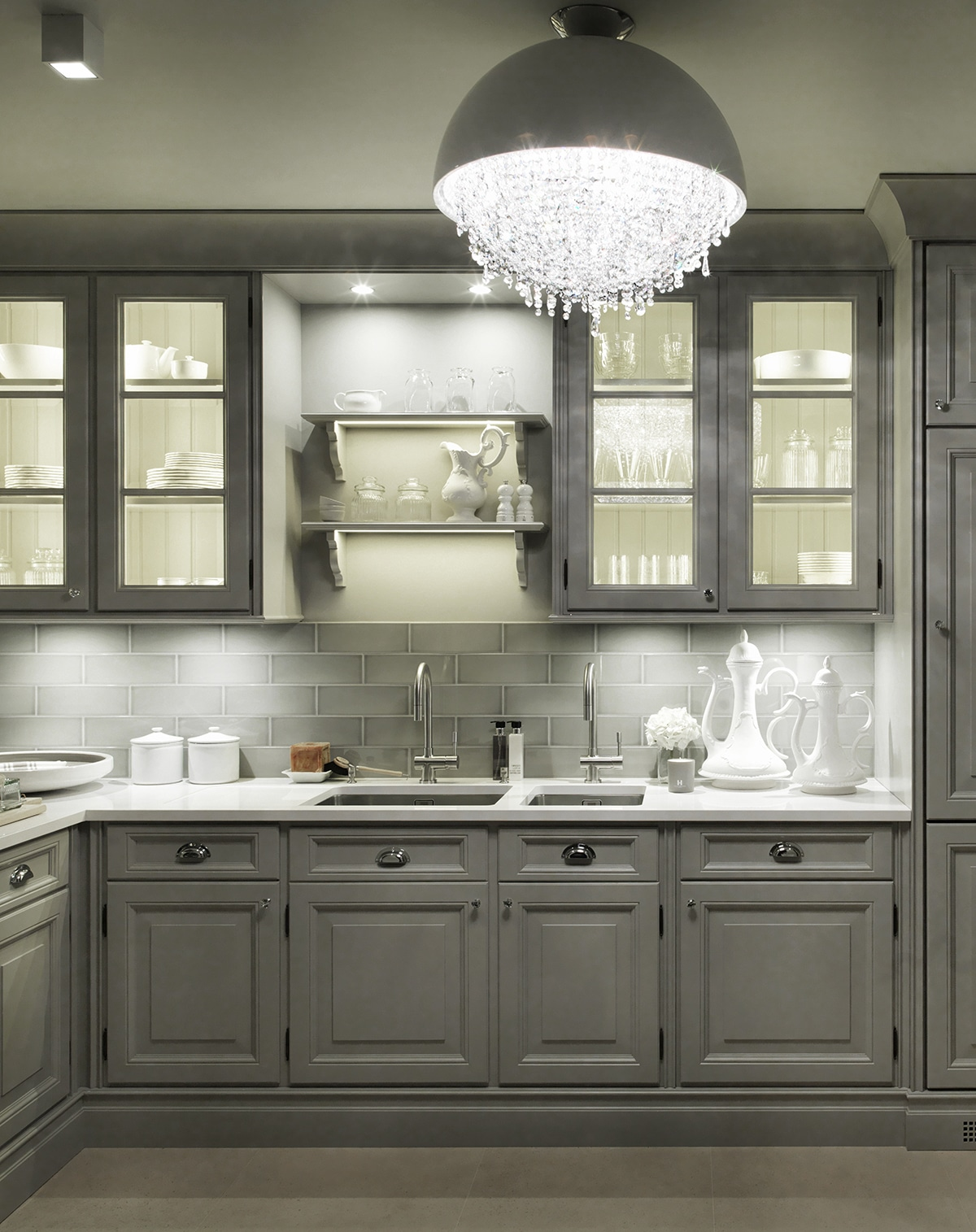 Interior Designer to the Stars - Luxury Lifestyle