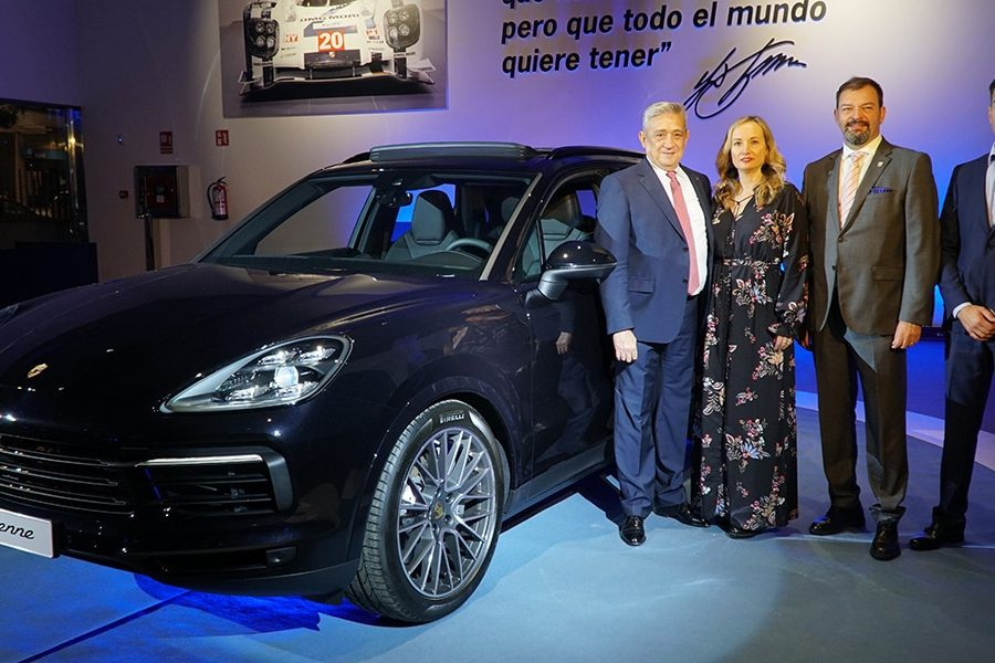 porsche cayenne 900x600 - The Debut of the New Porsche Cayenne
