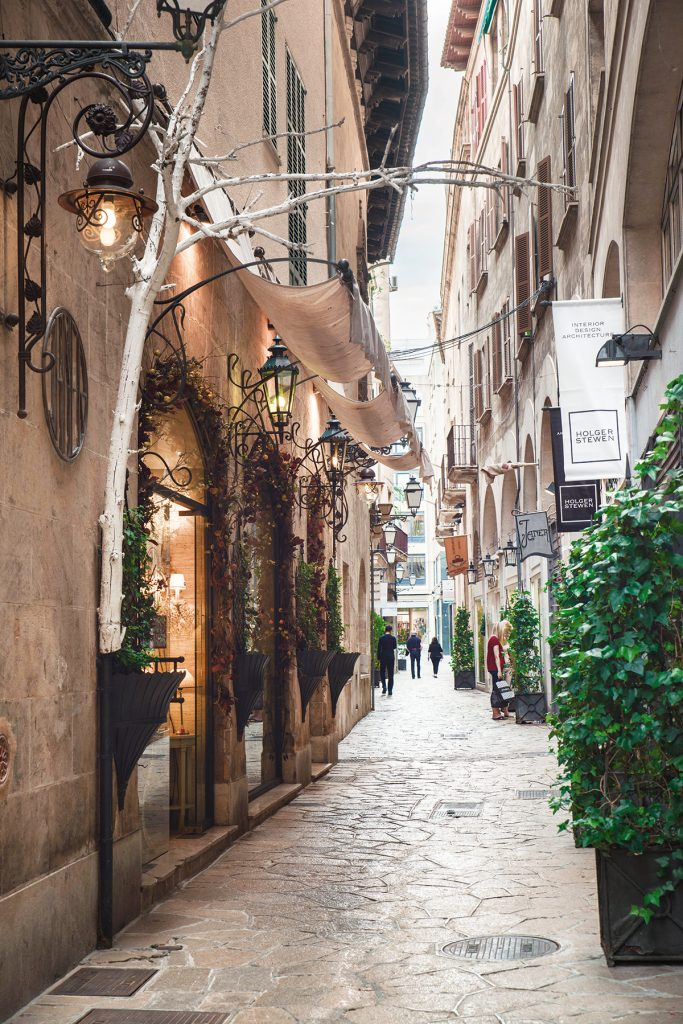 carrer can veri 683x1024 - 15 photos that will make you want to visit Palma NOW!