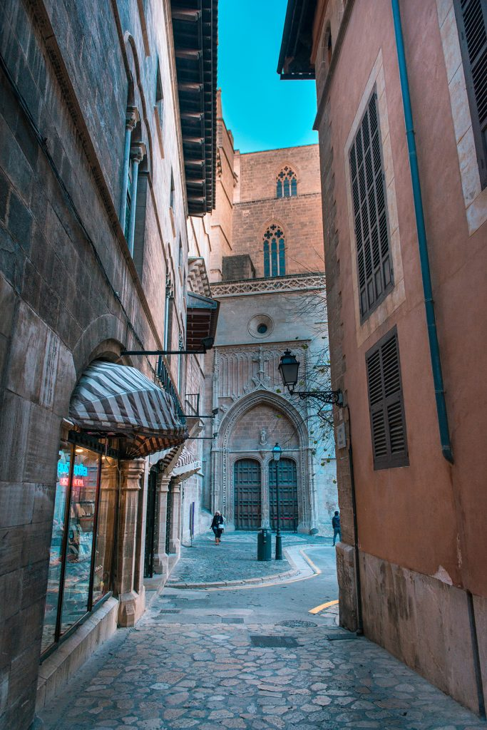 streets palma 2018 3 683x1024 - 15 photos that will make you want to visit Palma NOW!