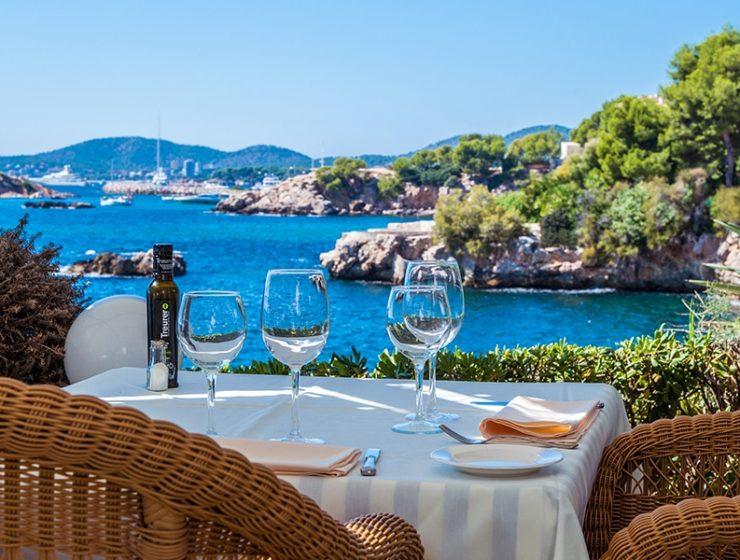terrazas bendinat restaurant 740x560 - 20 Restaurants to celebrate your love on Mallorca