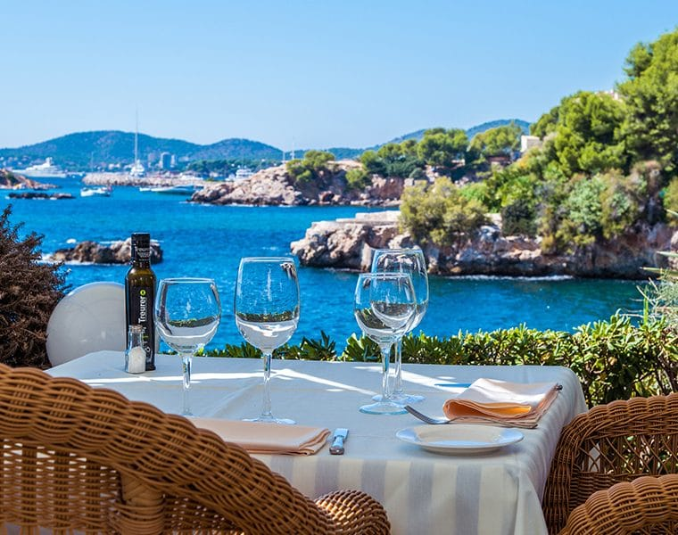 terrazas bendinat restaurant 760x600 - 20 Restaurants to celebrate your love on Mallorca